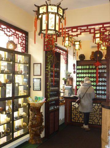 Китайская решетка, китайский фонарь и бамбук – три кита, которые способны превратить в Маленький Китай любое, самое заурядное торговое заведение