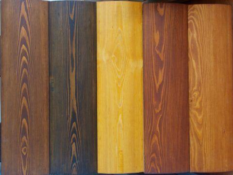 Натуральный цвет древесины можно изменить с помощью тонированной пропитки или масла