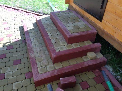 Лестница из плитки тротуарной