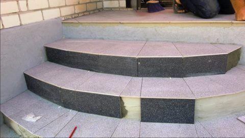 Укладка плитки на полукруглые ступени
