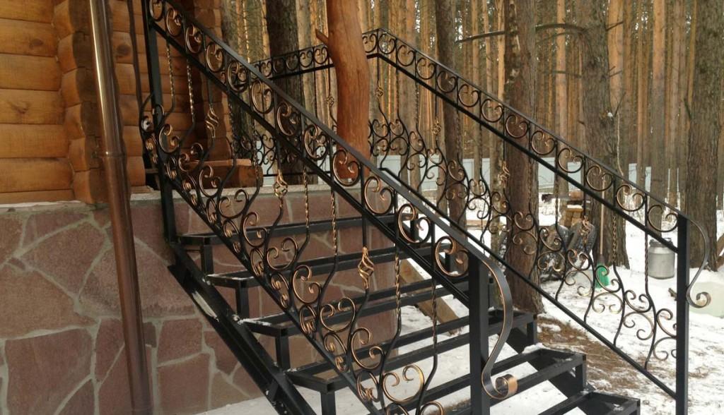 Кованые перила для металлической лестницы