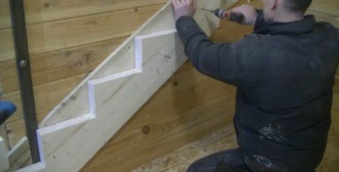 Как собрать лестницу на 2 этаж: монтаж на самонарезающие винты к деревянному основанию