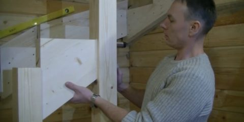 Как установить лестницу на второй этаж своими руками: монтаж второй опоры