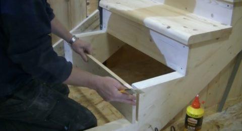 Как установить лестницу на второй этаж видео: покажет, как выполняется установка ступеней