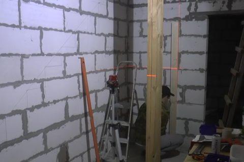 Лестницы из массива изготовление: разметка на стенах
