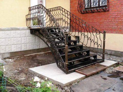 Лестницы перила поручни из металла