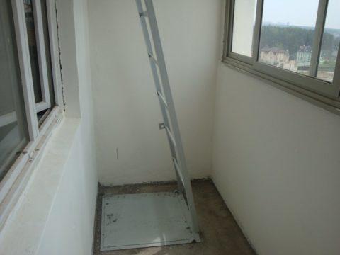 Неудобно расположенная лестница