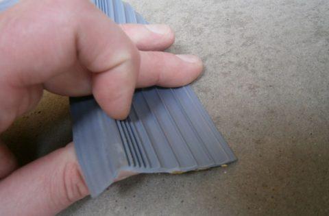 Самоклеящийся профиль «Евроступень-накладка» ширина 20 мм легко устанавливается и демонтируется