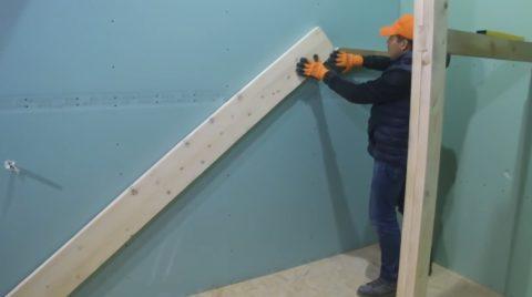Дача, строительство лестницы