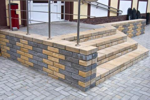 Тротуарная плитка в отделке элементов лестницы