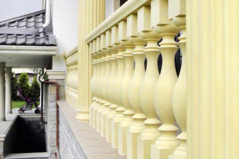 Балюстрады лестницы, отлитая из бетона