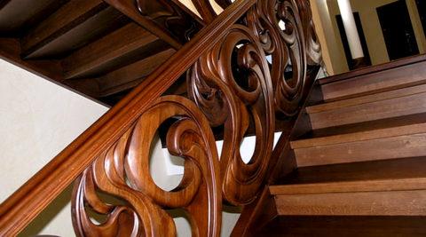 Элитная лестница из дерева