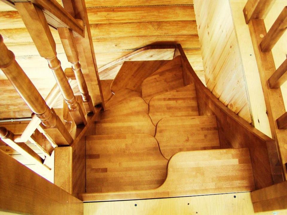 дачные лестницы крутые на подъем фото днем