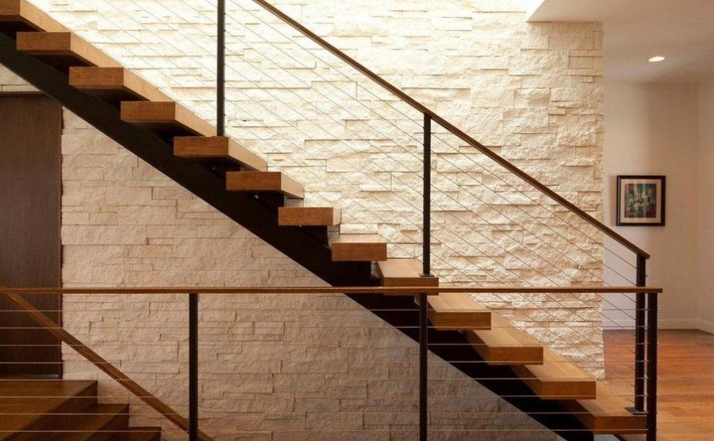 Угол подъема лестницы в частном доме