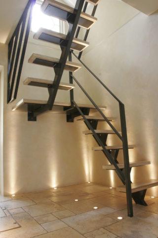 Лестницы по металлическим косоурам и площадки