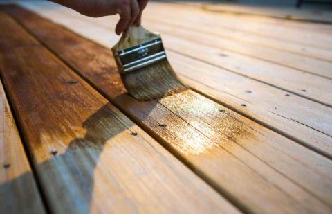 Правильная защита – залог долговечности деревянной лестницы, установленной на улице