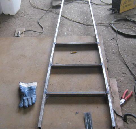 Самодельная лестница из профтрубы