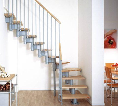 Сборные лестницы по металлическим косоурам