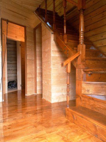 Итоговый результат или как обустроить место под лестницей
