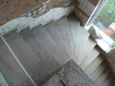 Как делать бетонную лестницу