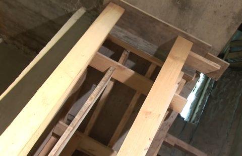 Опоры для бетонной лестницы