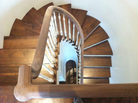 Ступени для лестницы с поворотом на 180 градусов