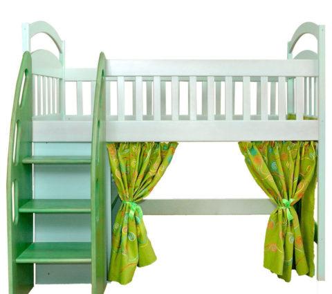 Удобная лестница для детской кровати-чердака