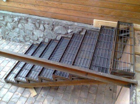 Каркас для бетонной лестницы