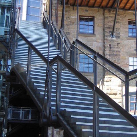 Маршевые каркасы для лестниц металлические