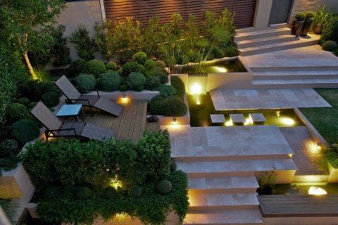 Освещение лестницы садовыми светильниками на солнечных батареях