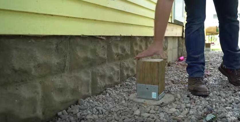 Как сделать крыльцо своими руками из дерева — установка опор